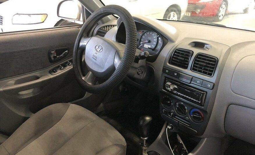 Hyundai Accent 5-dörrar 1.6 105hk -05